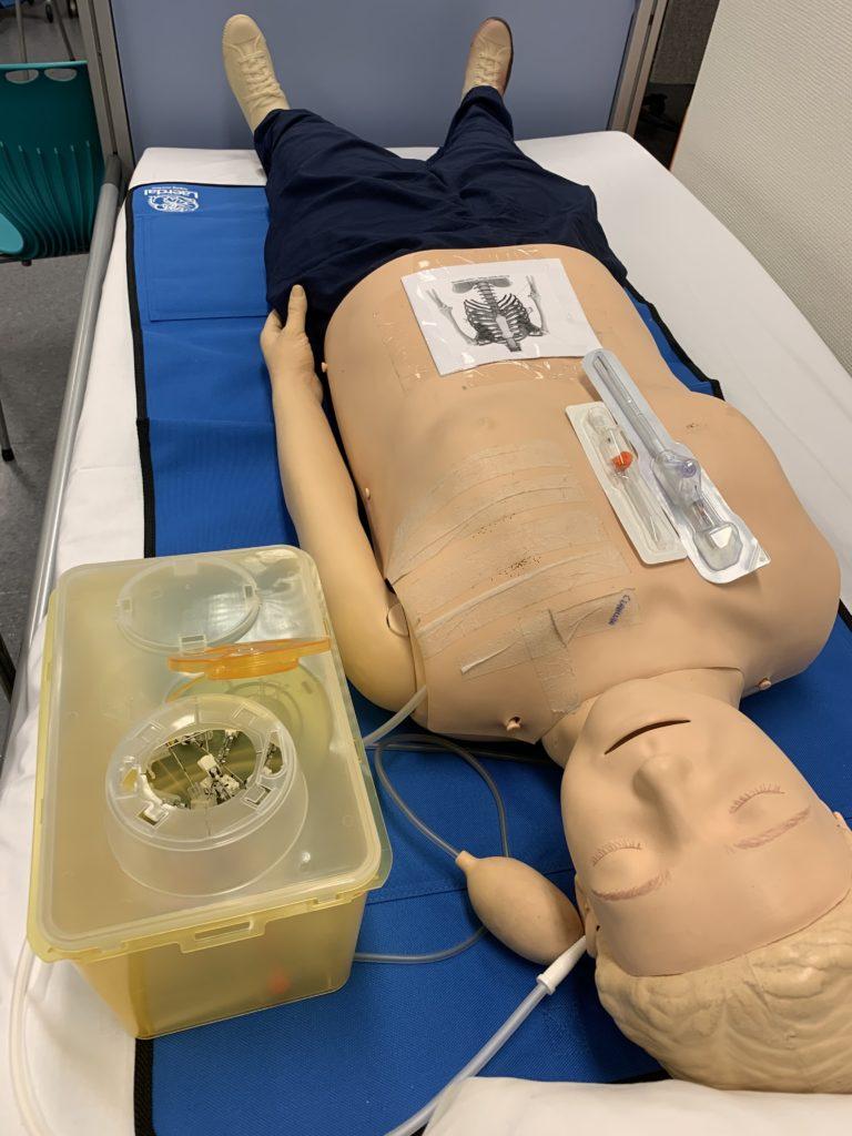 Bilde av dukke på akuttmedisinkurs på legevakten, Cingulum AS