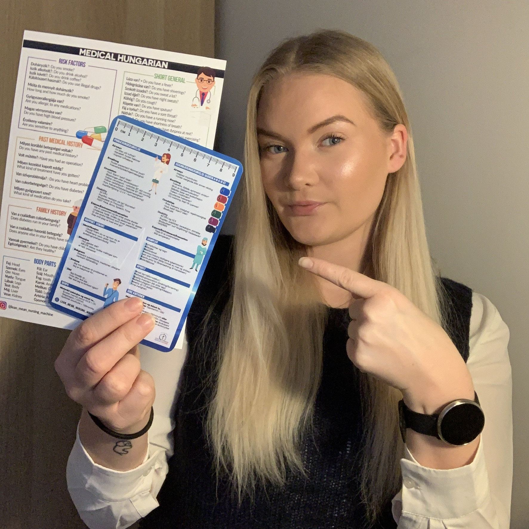 tuva Heimvik med medisinske språkkort fra Cingulum