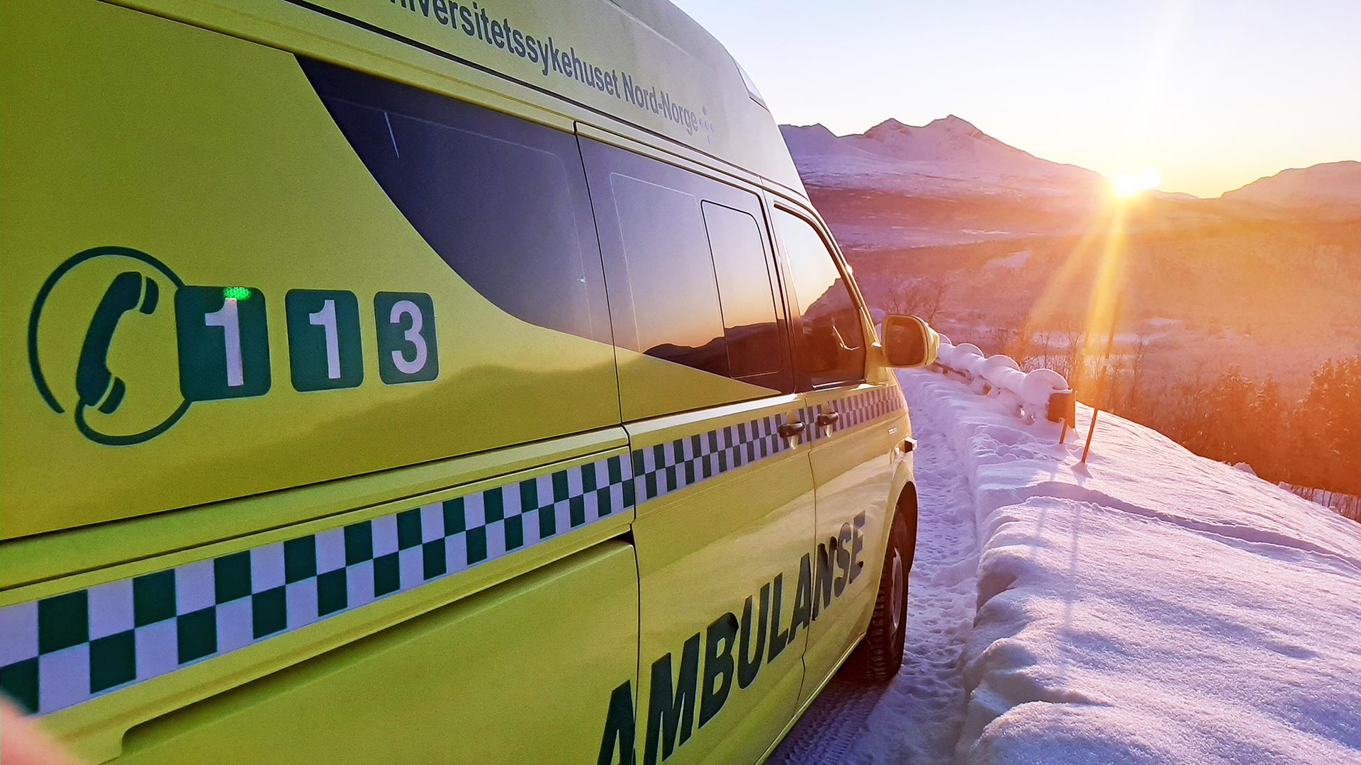 Bilde av ambulanse i solnedgang, Cingulum