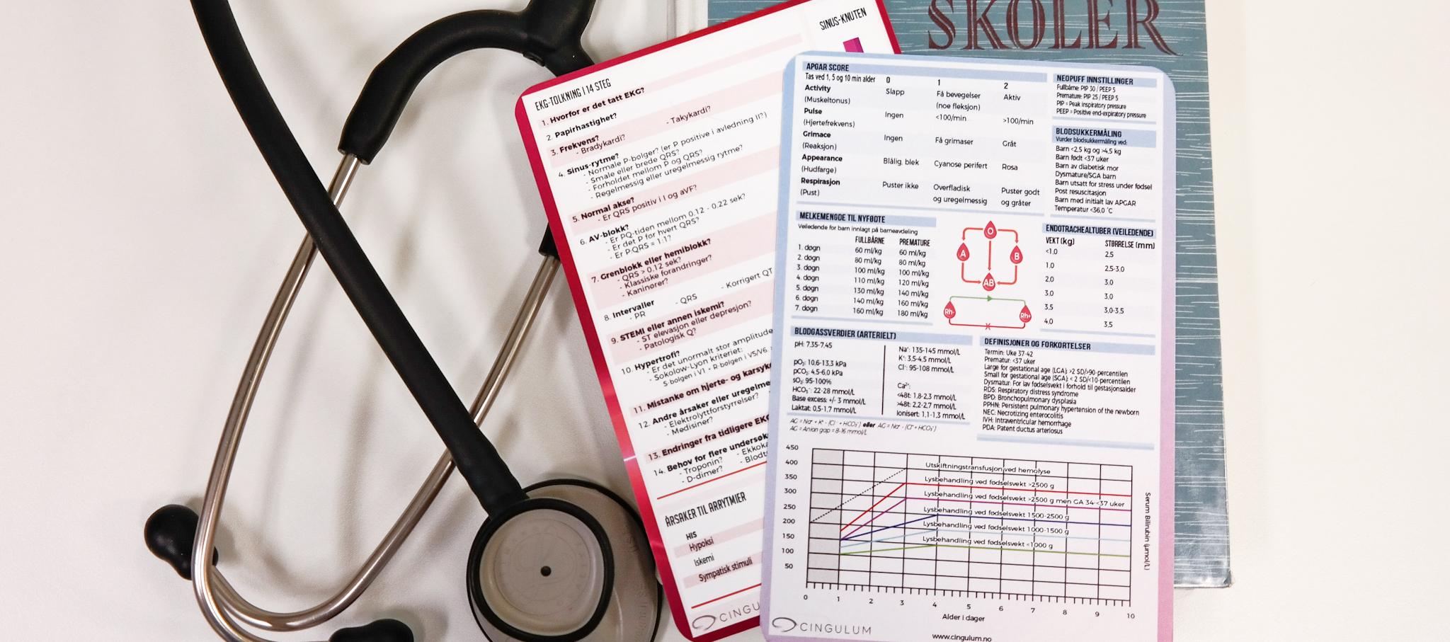 Bilde av medisinske referansekort med pediatri kort øverst, Cingulum